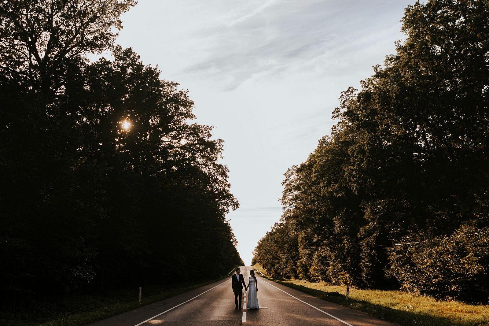 sesja ślubna w lesie Warszawa